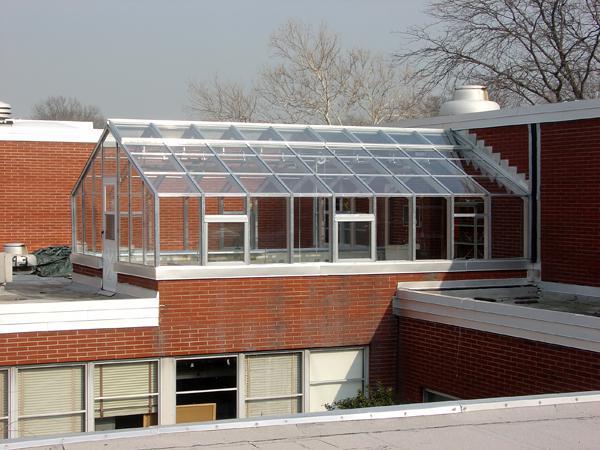 Особенности монтажа теплицы из поликарбоната на крыше
